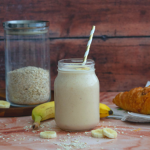 Simply Banana Breakfast smoothie with oats